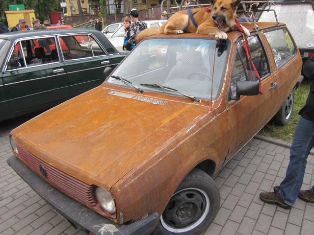 Volkswagen Passat sprzed 1990 roku. Bez lakieru