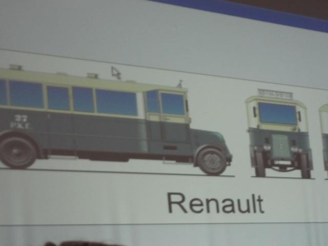 Autobus Renault jeżdżący przed wojną po Gdyni 16 Widok na parking z góry