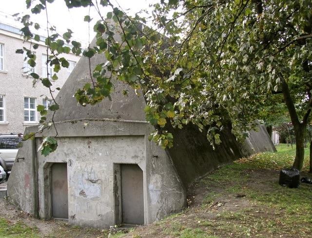 Gdynia - schron z lat 30. XX wieku