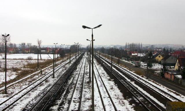 Widok z kładki nad torami na Olszynce