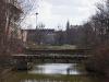 Most kolejowy widziany z ul. Chmielnej