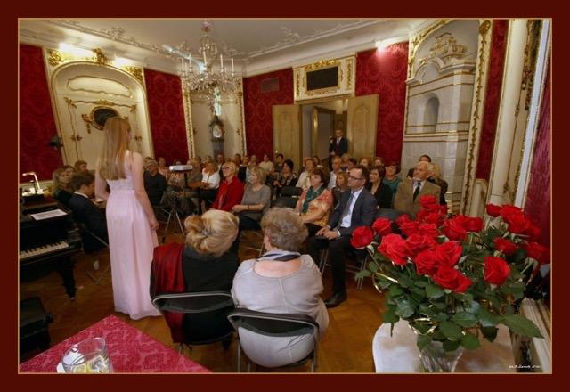 Publiczność w salonie