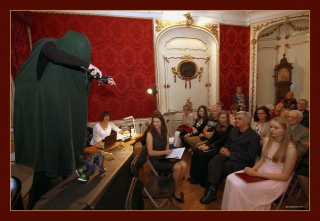 Jak animuje się łątkę zaprezentowała Grażyna Totwen Kilarska. Wystąpił Chińczyk z legendarnego Wileńskiego Teatru Łątek
