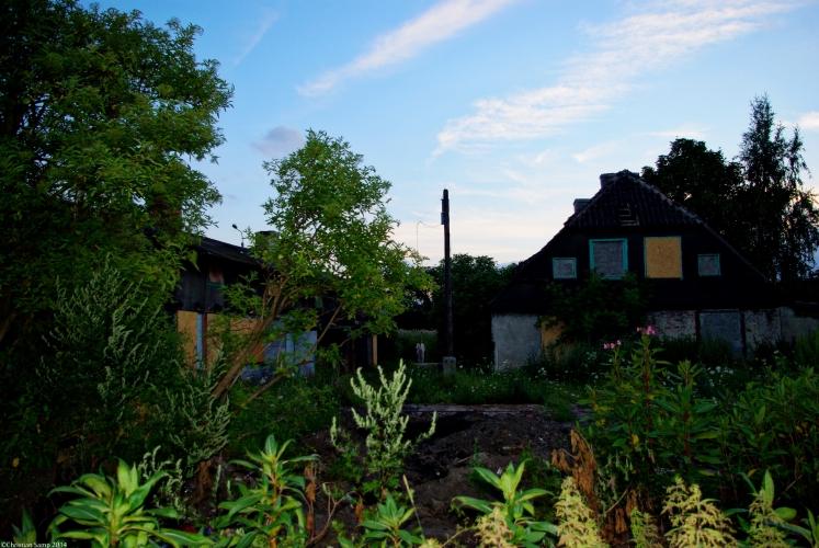 Nr 9 i 10 widziane od strony ogrodu- tył