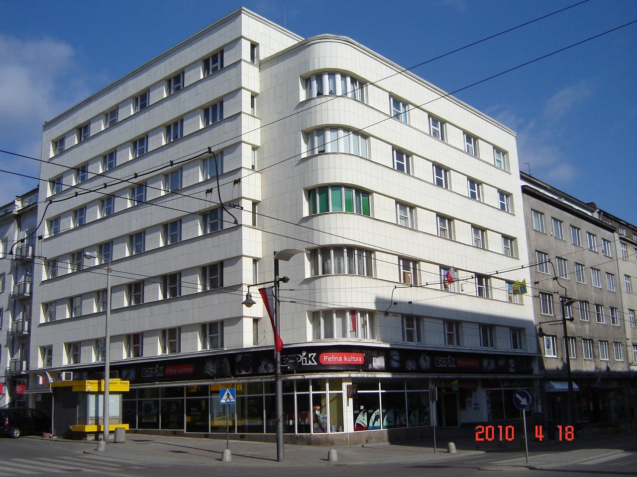 ul. Świętojańska 68