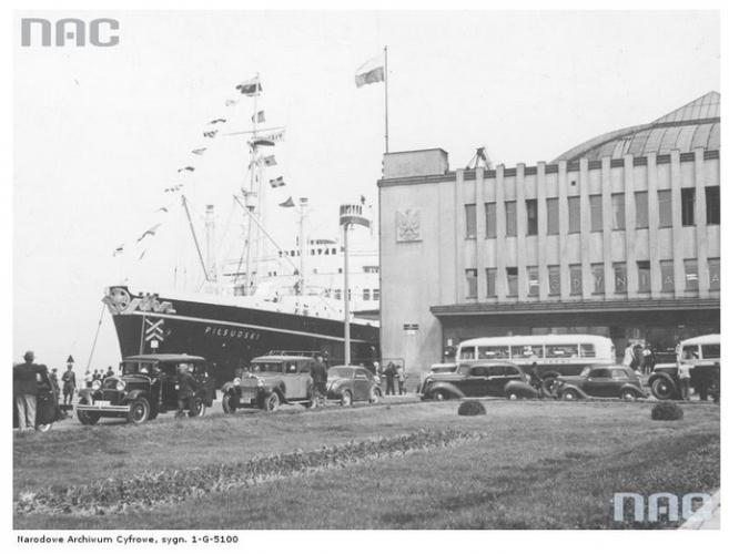 Statek pasażerski MS Piłsudski Źródło - Narodowe Archiwum Cyfrowe