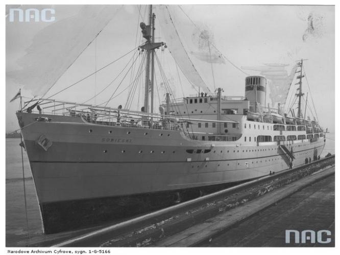 Statek pasażerski MS Sobieski Źródło - Narodowe Archiwum Cyfrowe