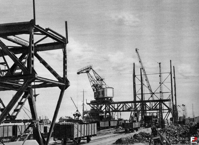 Port w Gdyni, molo węglowe, 1927 r.