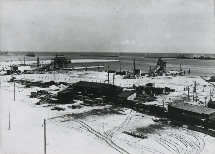 Budowa portu morskiego w Gdyni, 1926 r.