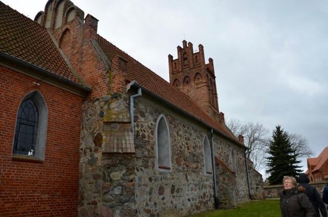 XIII-wieczny kościółek w Wielkiem Czystem – po pożarze w 1914 roku wnętrze było całkowicie wypalone, wystrój XX-wieczny
