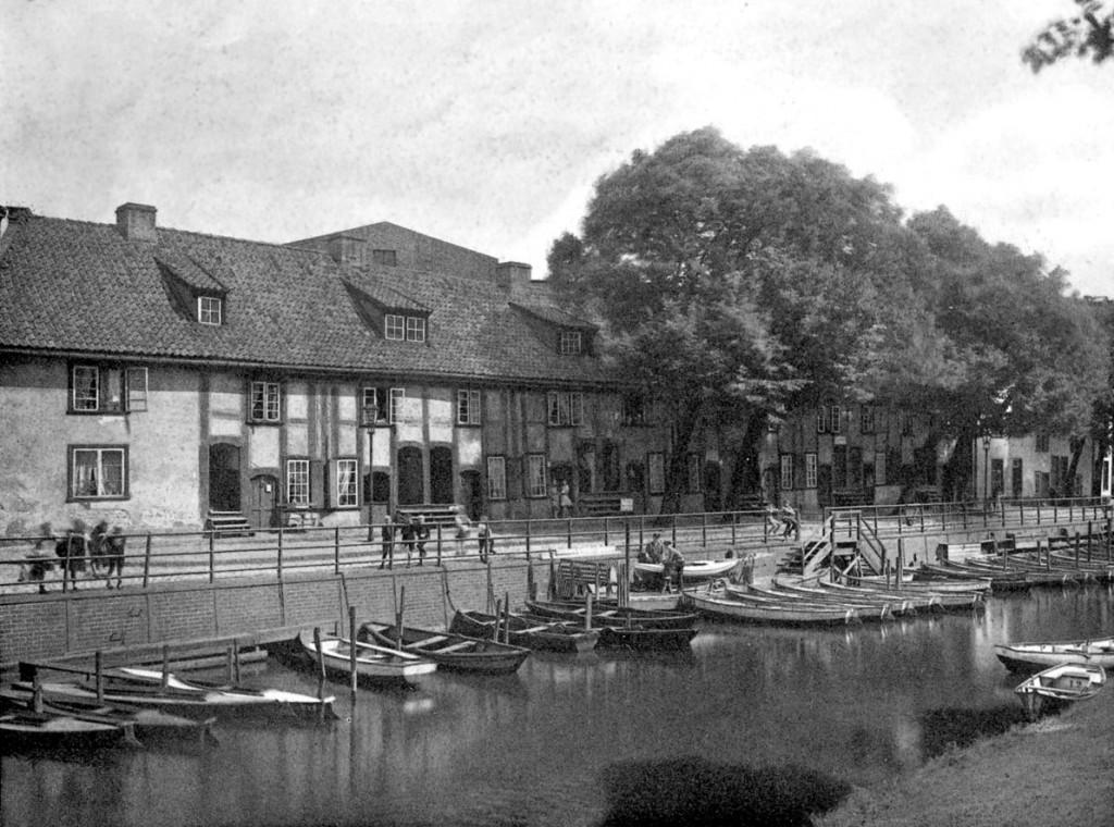 Kanał Raduni w pobliżu ujścia do Motławy. Początek XX w.
