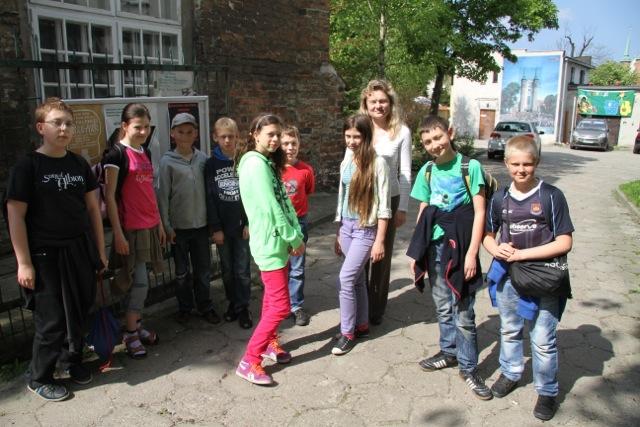 Uczniowie SP Nr 23 w Gdańsku Oliwie z nauczycielką