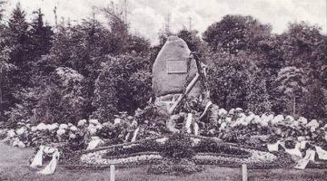 Pomnik marynarzy, czyli o pewnej katastrofie… lotniczej