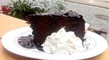 Kawiarnia Retro i czekoladowe ciasto gryczane