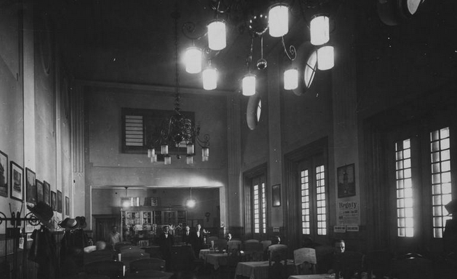 Wnętrze restauracji, dworzec międzywojenny, Źródło Narodowe Archiwum Cyfrowe