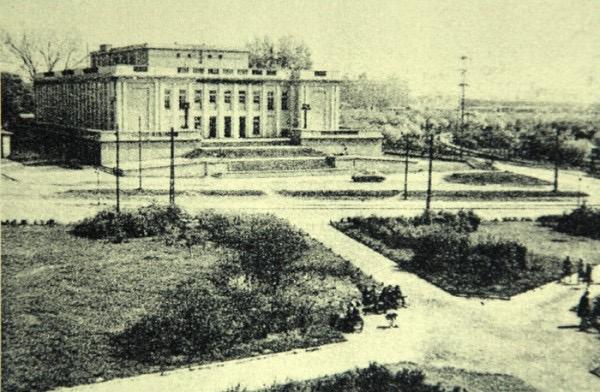 Morski Dom Kultury w Gdańsku, pod koniec lat 50. ubiegłego wieku, pierwsza siedziba Teatru Muzycznego, Repr. Magazyn Architektura 1957 WUOZ w Gdańsku
