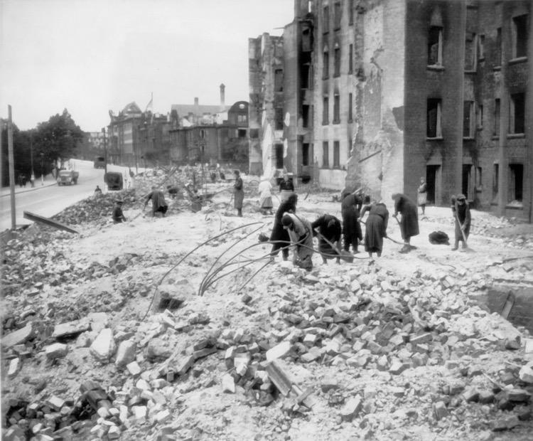 Gdańsk, po zakończeniu II wojny światowej, wł. Wydawnictwo Oskar