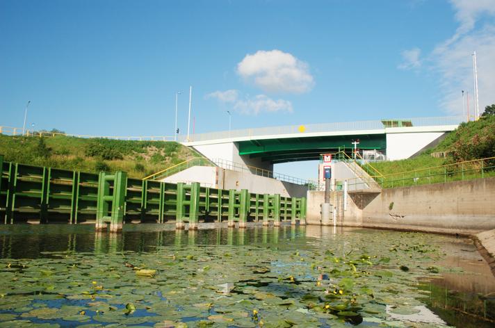 Most zwodzony na Śluzie Południowej (od strony wschodniej) – 2012 r.