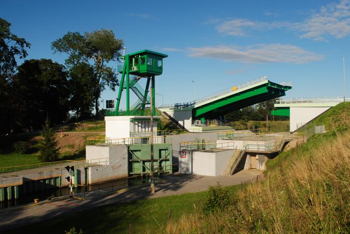 Most zwodzony na Śluzie Południowej (od strony zachodniej) – 2012 r.