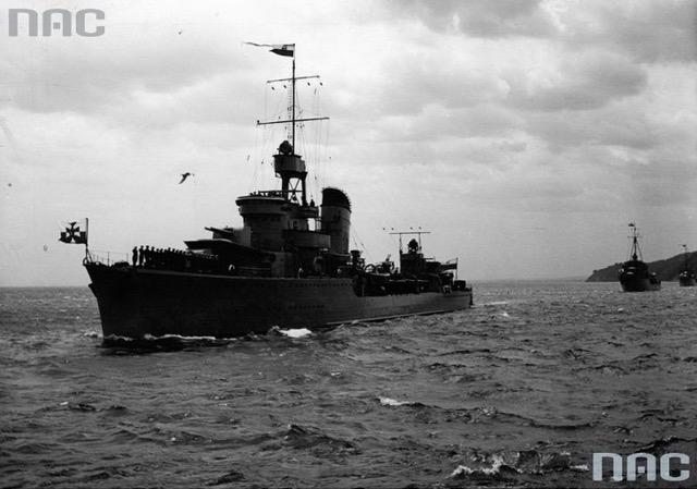 ORP Błyskawica, Obchody Święta Morza w Gdyni, 1938 r., Źródło Narodowe Archiwum Cyfrowe, Sygnatura 1-P-3550-3.