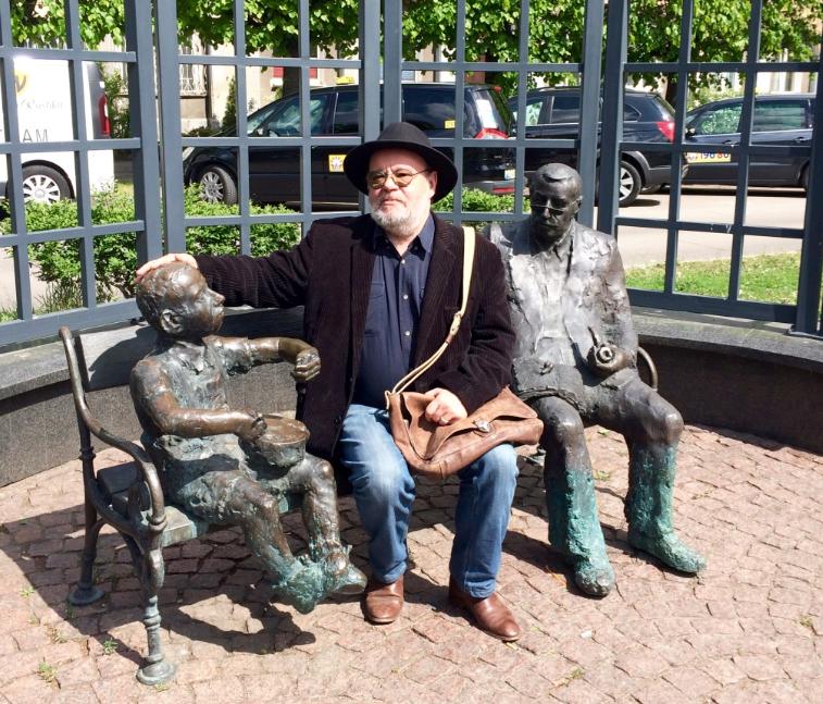 Paweł Huelle i ławeczka Grassa